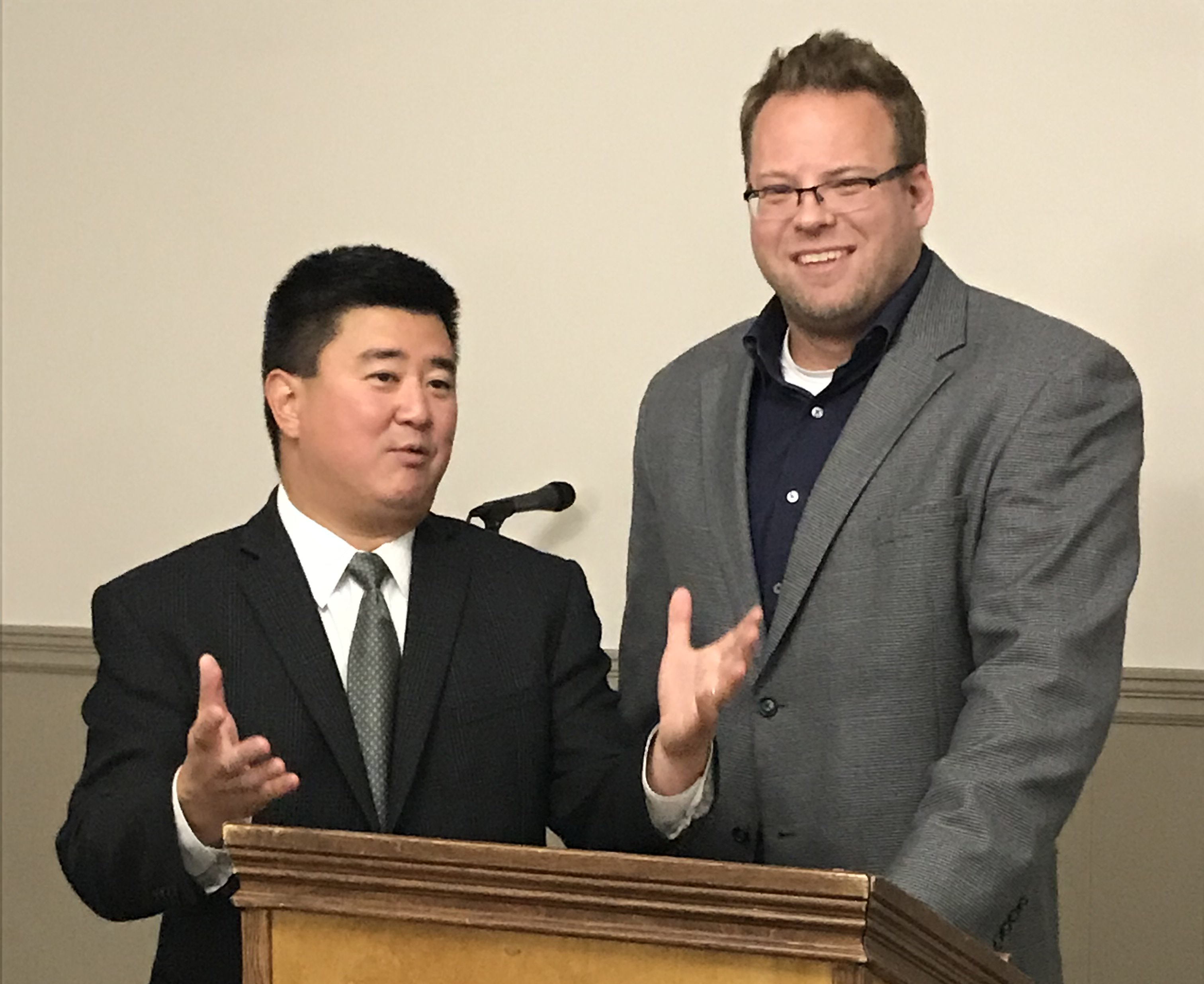 Dr. Suh and Dr. Kovac Speak at Men's Health Seminar